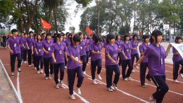 为什么学校活动都要特意定制班服,班服定制的意义是什么?